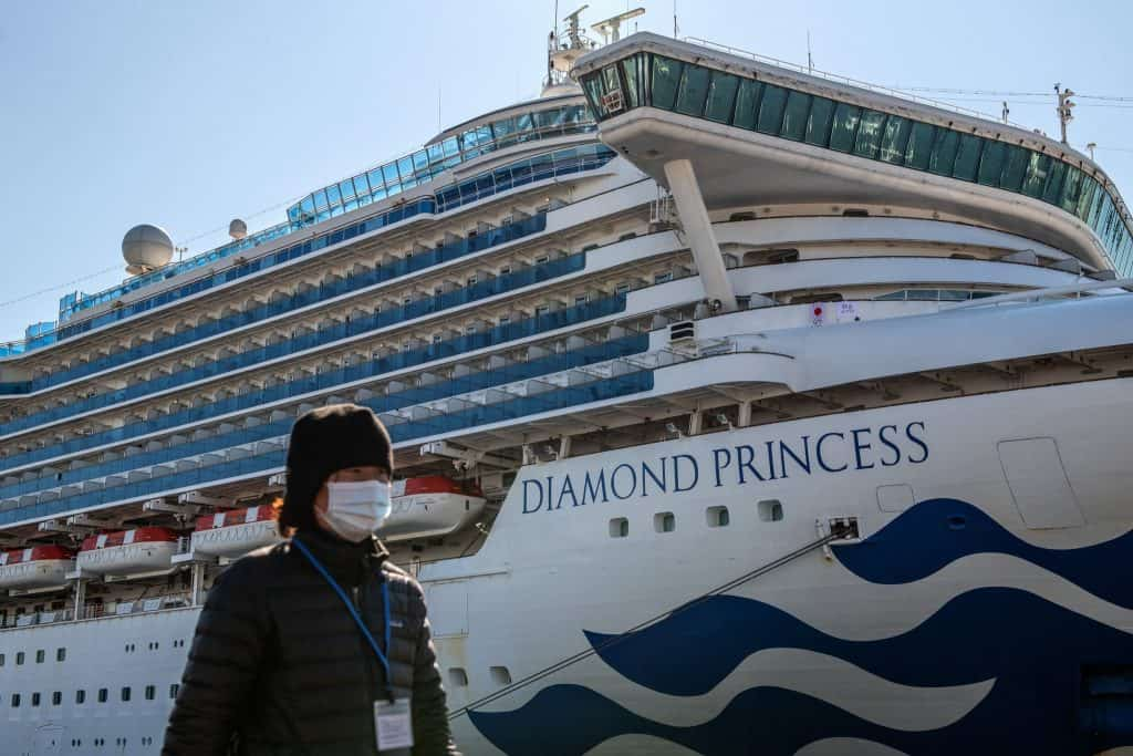 Kapal Pesiar, Diamond Princess di Pelabuhan Yokohama, Jepun.