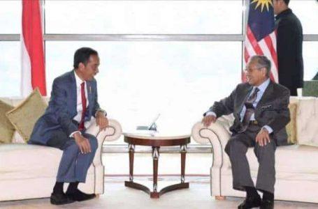 """Indonesia ucap """"maju jaya"""" untuk Malaysia selepas Mahathir letak jawatan."""