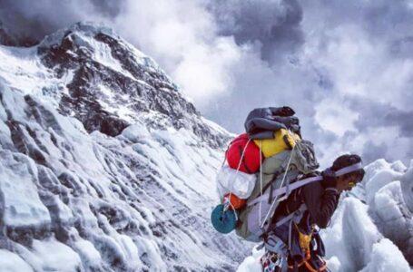 COVID-19: Nepal gantung pendakian ke Gunung Everest