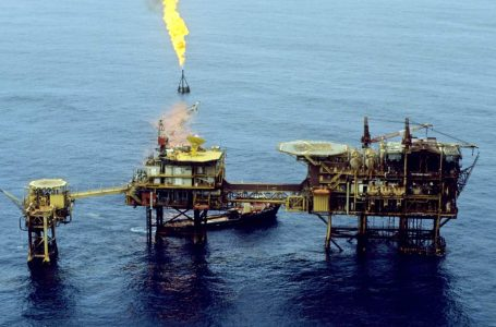 Harga minyak global naik 4 peratus