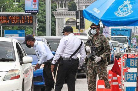Ingkar arahan PKP, dua lelaki didenda cuci tandas awam selama 3 bulan