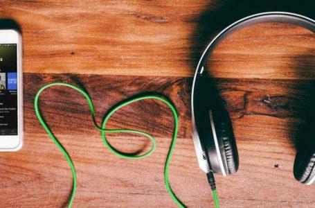 Pilihan servis penstriman muzik yang mana lebih bagus?