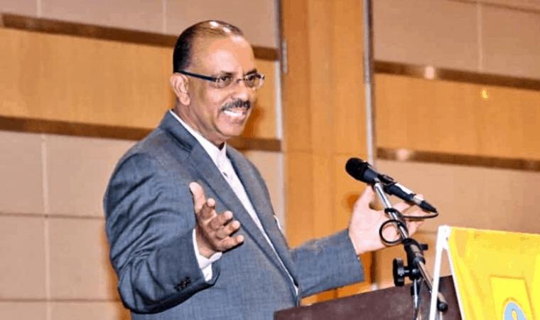 Bekas Ketua Setiausaha kerajaan, Tan Sri Ali Hamsa