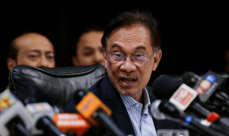 Presiden Parti Keadilan Rakyat (PKR) Anwar Ibrahim