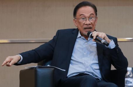 Beri pekerjaan kepada para pemuda, bukan kepada ahli politik – Anwar