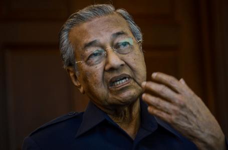 PKR menolak Dr Mahathir tetapi meninggalkan saluran perbincangan terbuka selagi Anwar menjadi calon PM