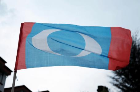 Hampir 100 ahli pemuda PKR dari cabang Port Dickson mengumumkan hasrat keluar dari parti
