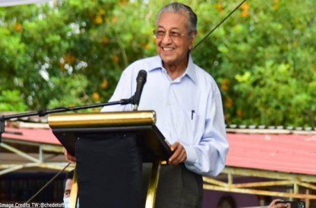 Dr Mahathir mengatakan tidak akan bertanding pada PRU15