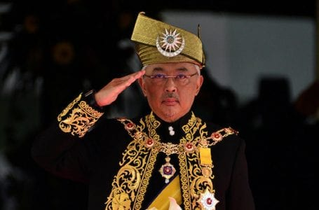 Patuhi perintah Raja, berhenti berpolitik