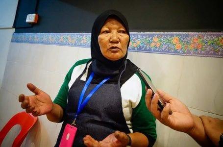 Mak Wan menjalankan program memberi makan untuk golongan miskin di Chow Kit