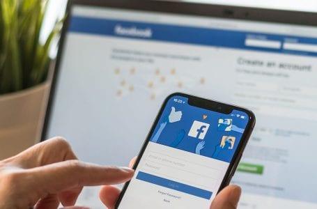 Facebook keluar secara automatik dengan pengguna iPhone