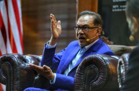 Jadi bagaimana jika perbualan yang bocor dengan Zahid itu benar, tanya Anwar