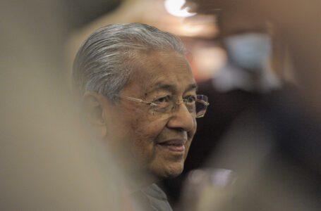 Dr Mahathir memanggil Kerajaan Perikatan sebagai 'kediktatoran'