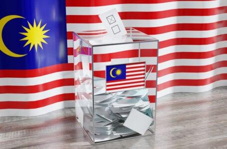 18 pemuda Malaysia mendakwa PM, SPR untuk hak mengundi