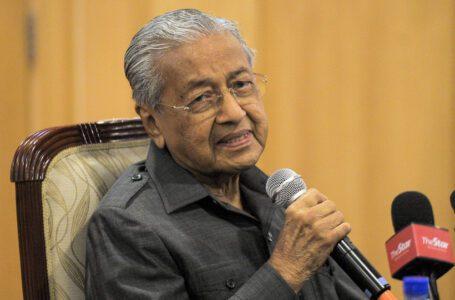 Dr Mahathir mendakwa Ku Li 'sendirian' dalam Umno, dan itulah sebabnya kerjasama gagal