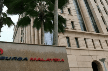 Bursa Malaysia ditutup rendah kerana sentimen lemah