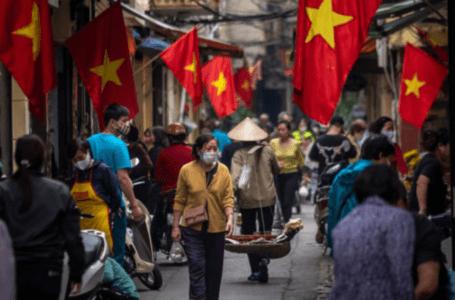 Vietnam mengetatkan pengekangan Covid kerana kes terus meningkat