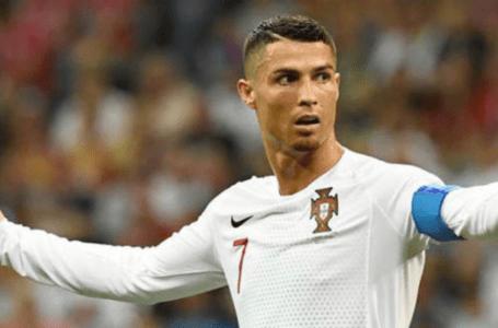 Mainkan Ronaldo sebagai Striker, kata Rooney