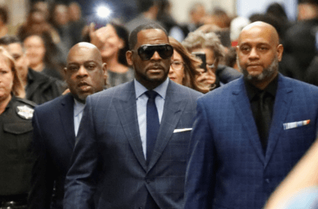 R. Kelly, bintang R & B dalam perbicaraan atas jenayah seks