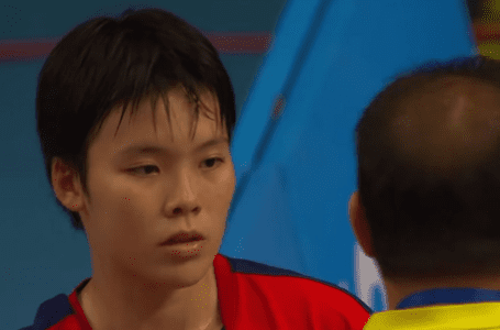 Jin Wei bersara pada usia hanya 21 tahun, dengan alasan kesihatan