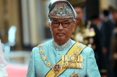 Agong memberi penghormatan dan mengucapkan tahniah kepada Olimpik Malaysia, Paralympians